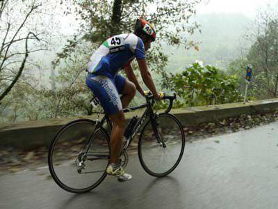 دوچرخه سوار آملی در راه اروپا