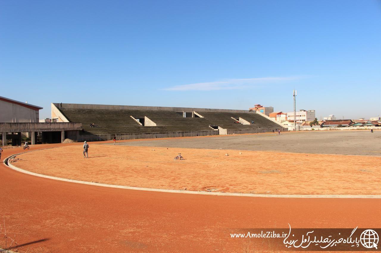 استاديوم چمران همچنان بلاتكليف/كسي دلش براي فوتبال آمل نميسوزد؟!
